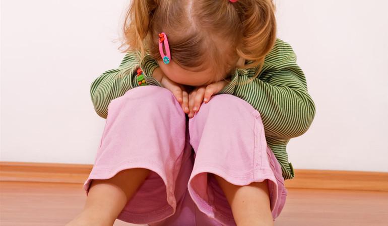 Мама, не уходи! Ребенок плачет в саду: что делать?