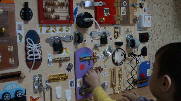 Доска с выключателями для детей своими руками 7