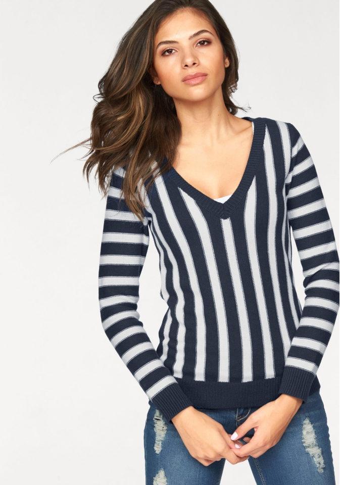Пуловер с полосками AJC