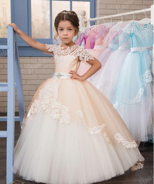 5c2cbae81aa Продаю Детские нарядные платья