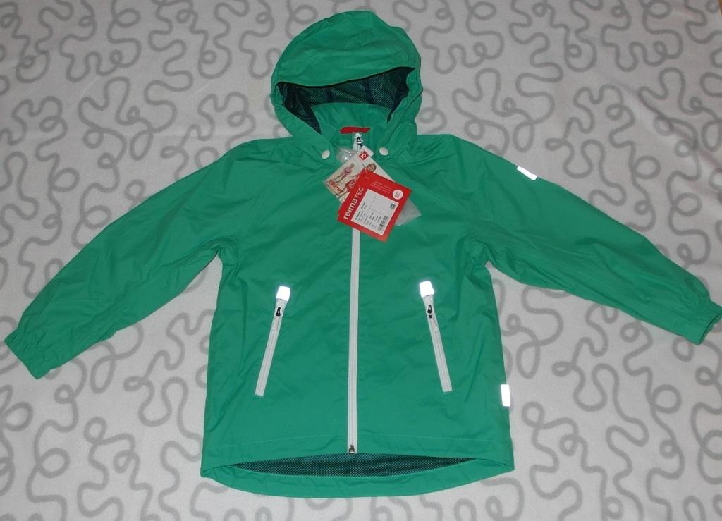 Новая куртка (ветровка) Reima, 116-122 см