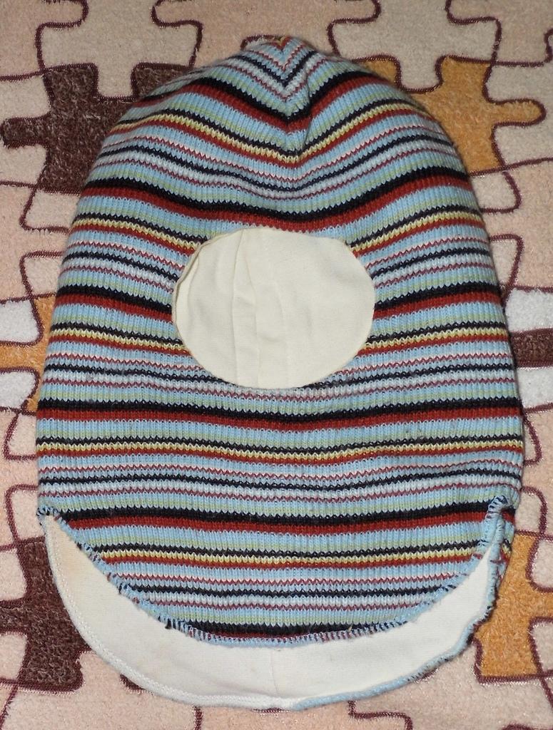 Шапка-шлем от 2-5лет мало б/у в отл. состоянии