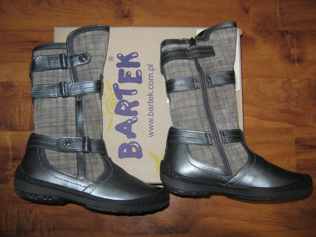 Новые осенние сапоги Bartek для девочки
