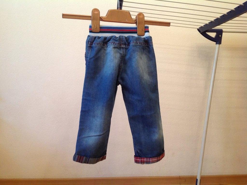 Чиносы,джинсы,ветровки.Размер 86
