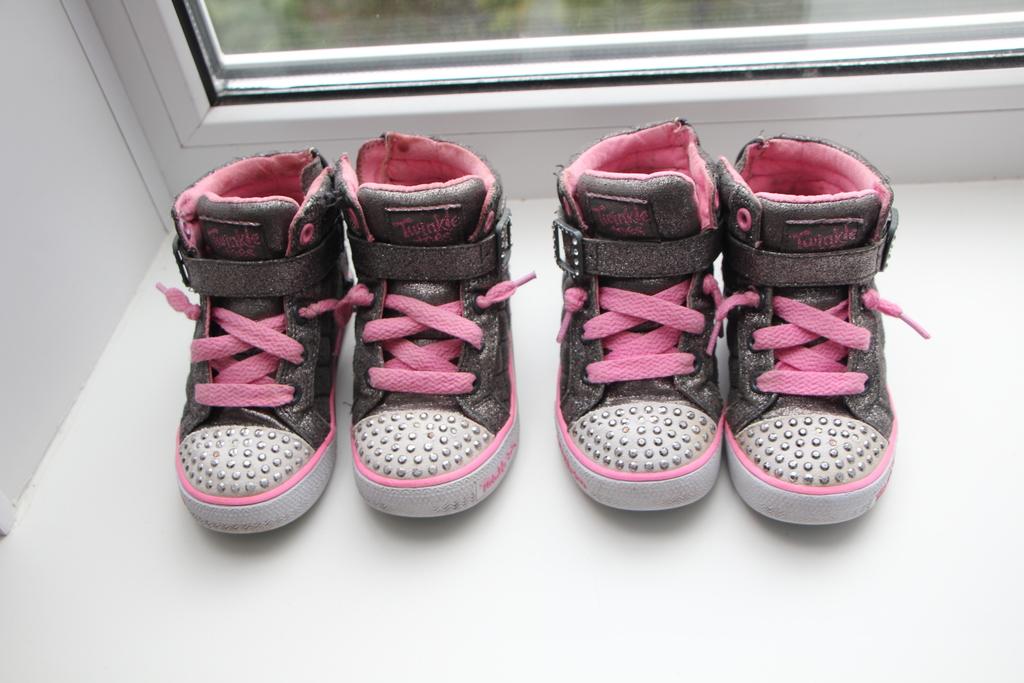 SkEtchers twinkle toes мигают
