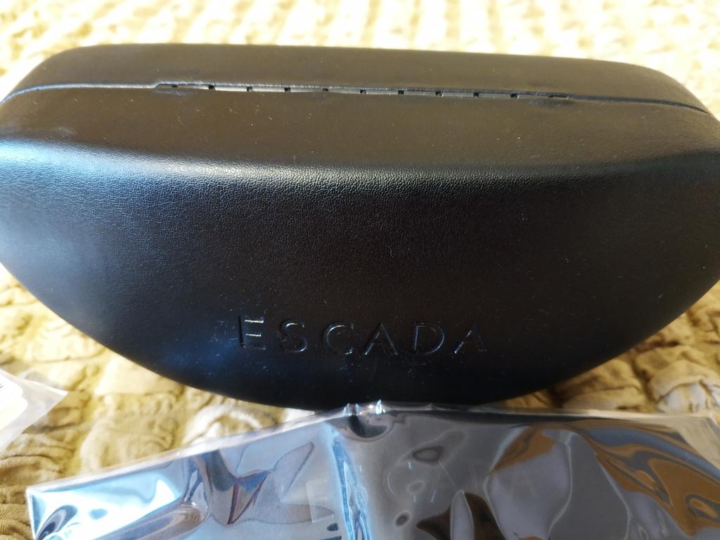 Очки солнцезащитные Escada