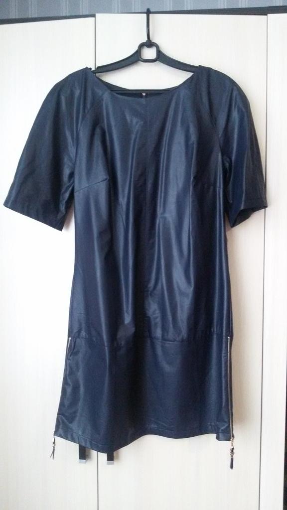 Платье женское(иск.кожа)