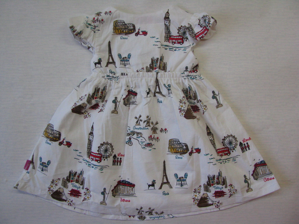 Красивое платье для девочек рр.104, 110, 116