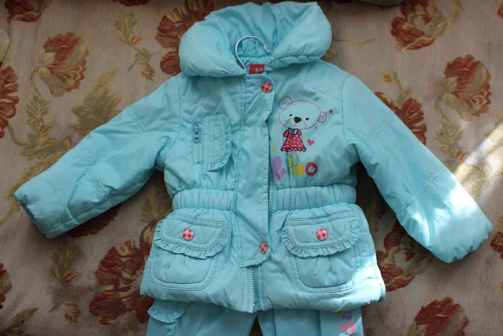 Комплект на девочку 6-12 месяцев.