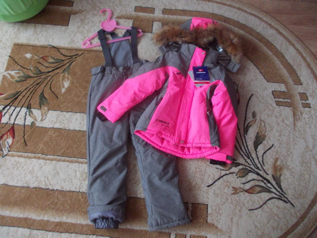 Зимний комплект Cocotu размер 116 новый