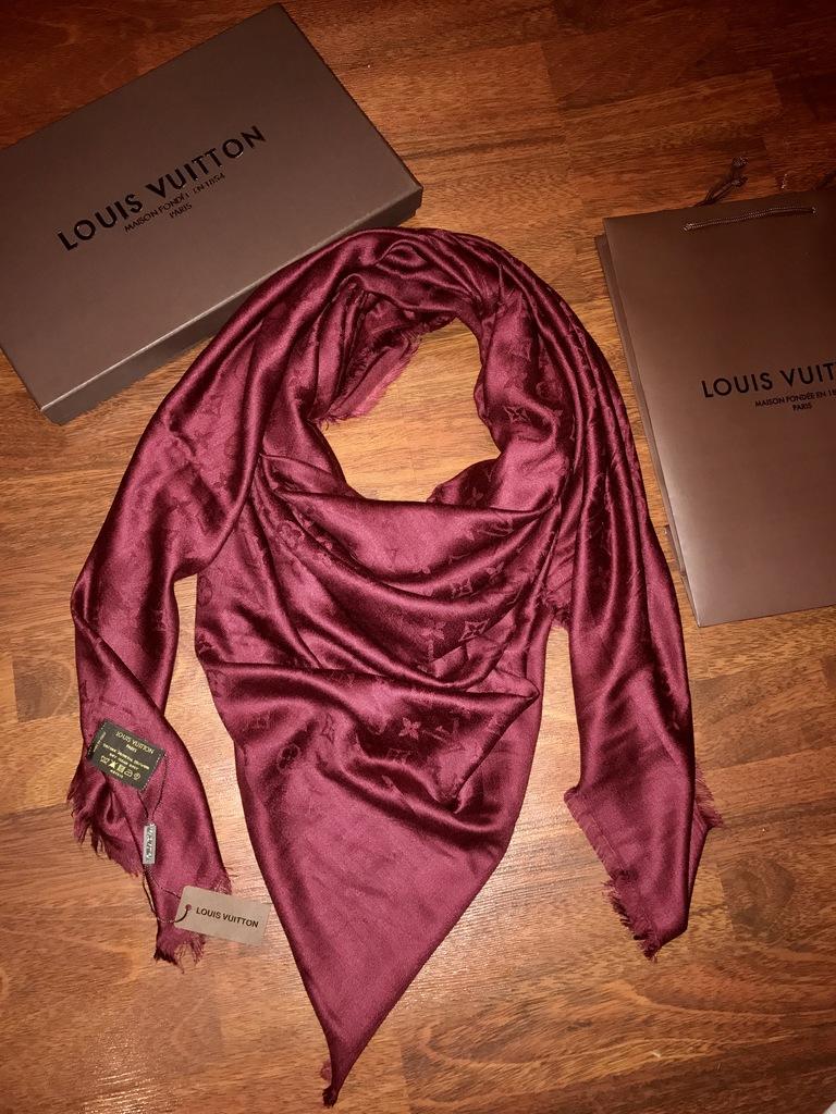 Платки и шарфы Louis Vuitton - купите со скидкой!