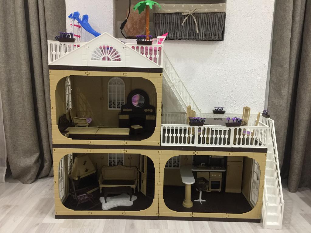 Дом для кукол Барби