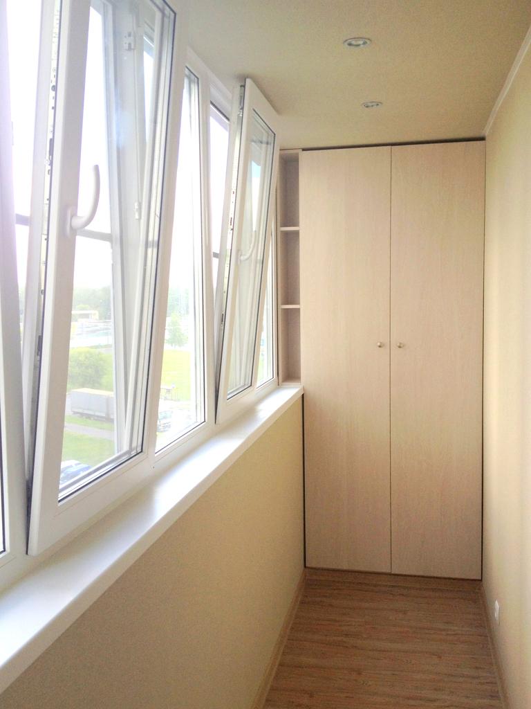 Делаю отделку балконов и остекление. / для дома и дачи. купл.
