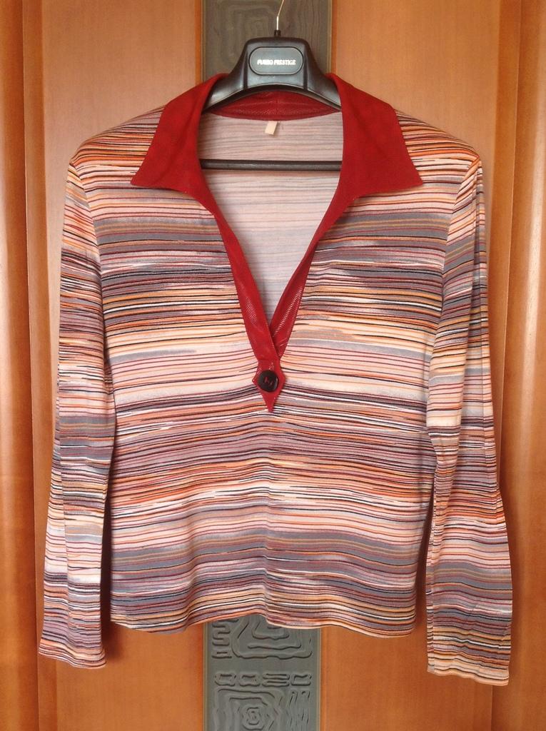 Полосатая вискозная блузка с воротником апаш р.50