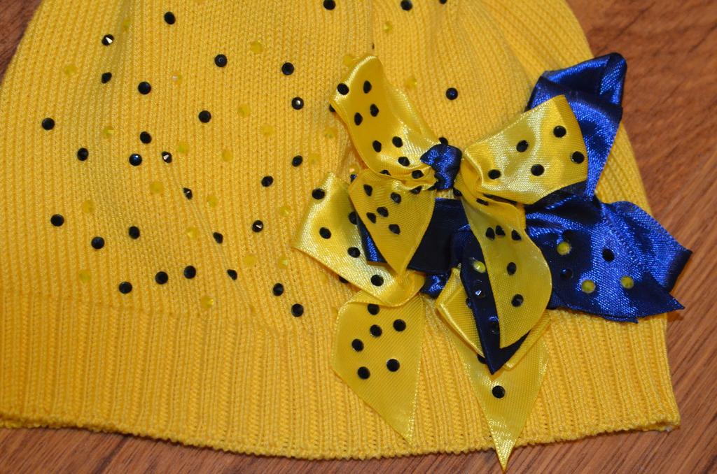 Новая желтая хлопковая шапка 5-6 лет