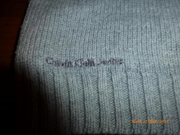 Жилет вязаный Calvin Klein на 4-5лет, б/у