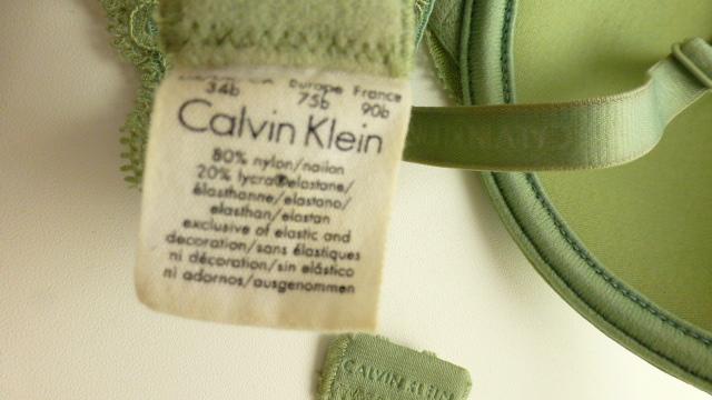 бюстгалтер пушап Calvin Klein