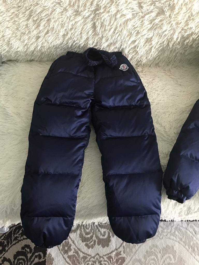 moncler новый зимний костюм для мальчика 5/6 лет