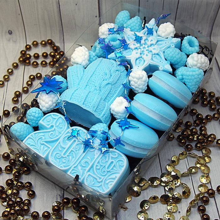 Новогодний набор мыла ручной работы с  печеньем макарунс
