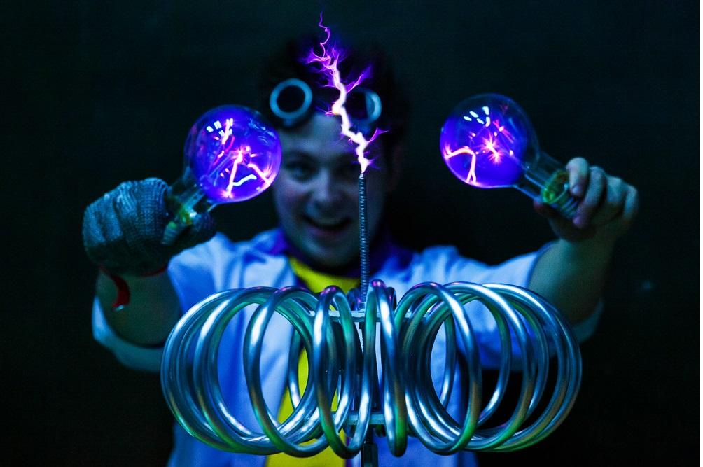 Тесла-шоу.Ручное электричество для всех!