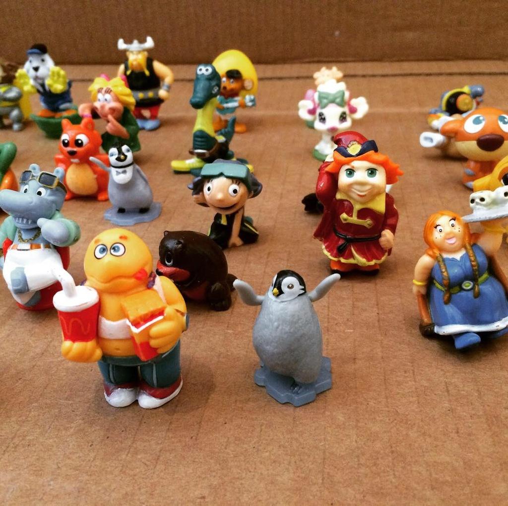 он, картинки киндеры сюрпризы игрушки картинки железнодорожной больницы
