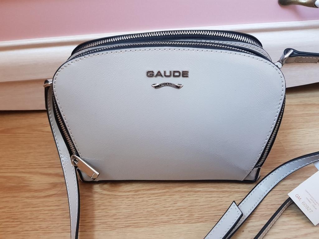 Новая кожаная лакированная сумка Италия серая