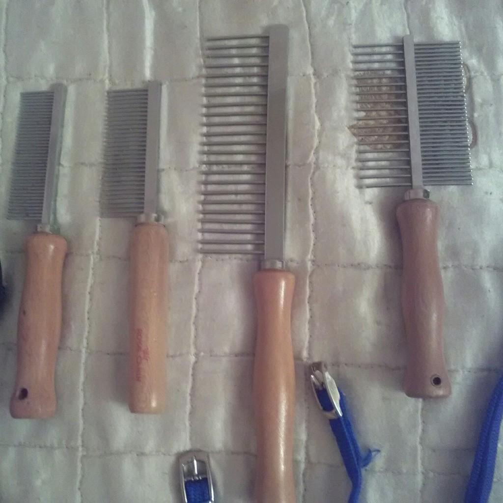 Расчёски и шлейки для животных, новые и б/у