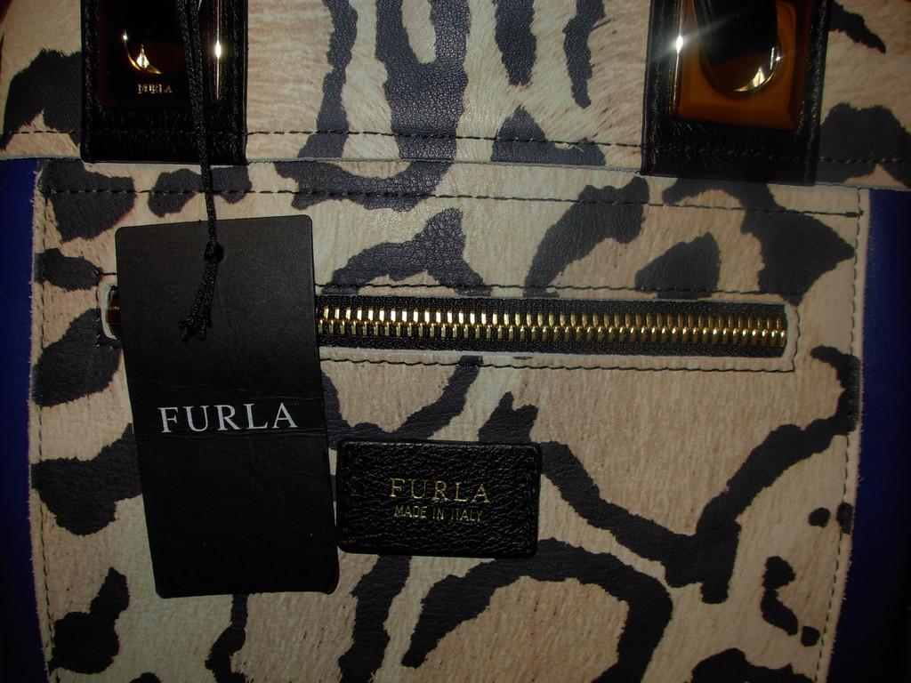 новая кожаная сумка FURLA . оригинал Италия.