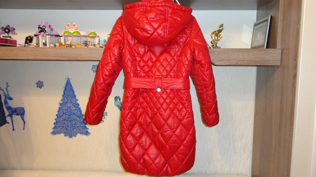 демисезонное пальто Aviva 134р. 128-134р.