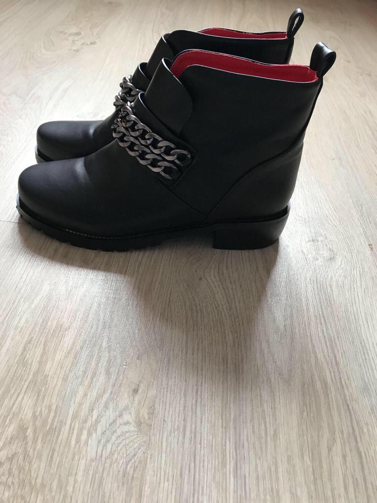 Ботинки новые,Кожа.