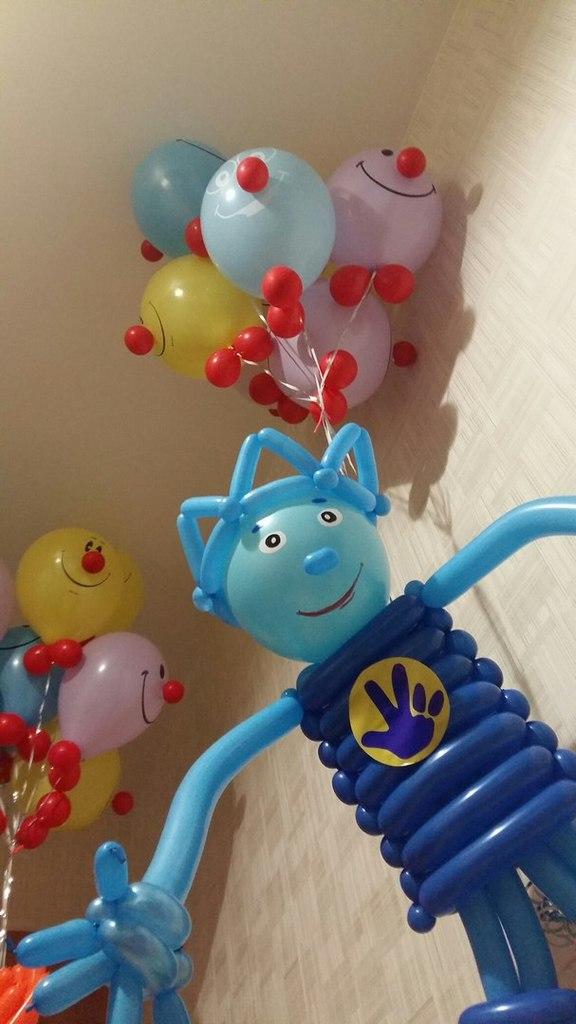 Фигурки героев мультиков из воздушных шаров
