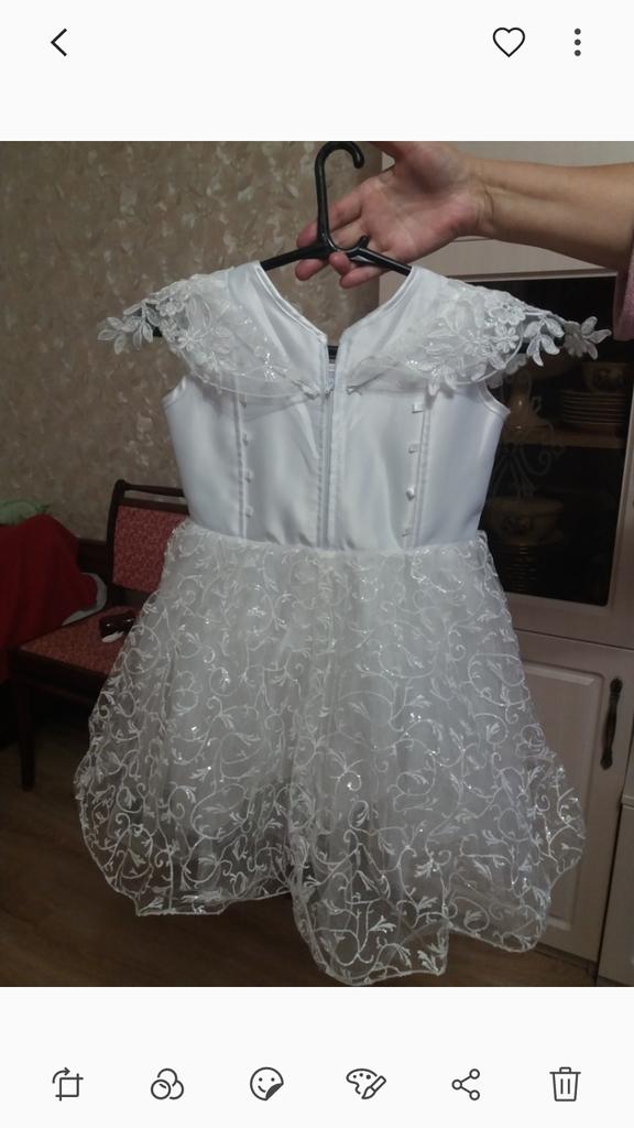 Нарядное платье, с размера 98 до 116р.
