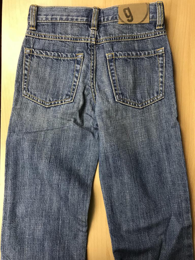 новые джинсы Gymboree на 5-6 лет