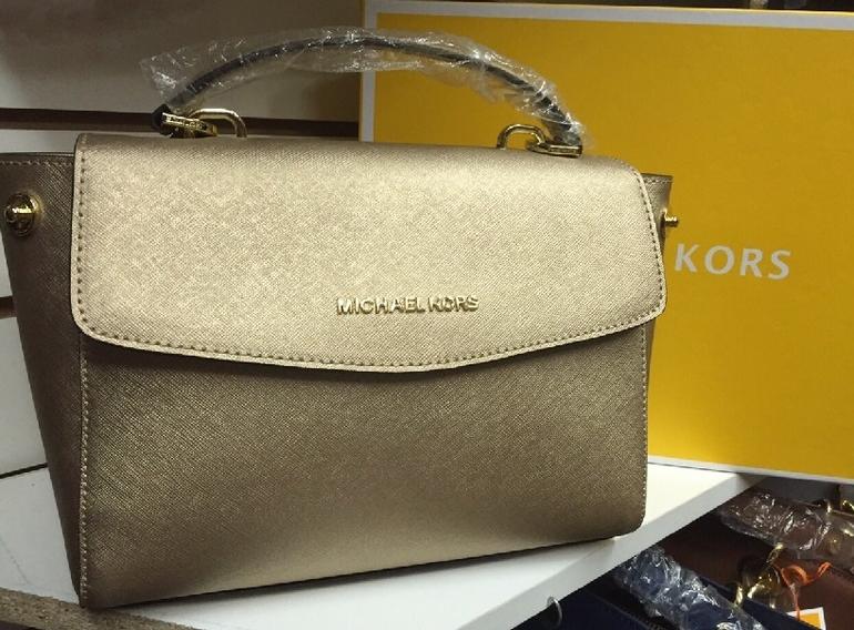 Купить по интернету копии сумок : Барсетки : Женские