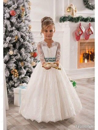 Платье на девочек 6 7лет