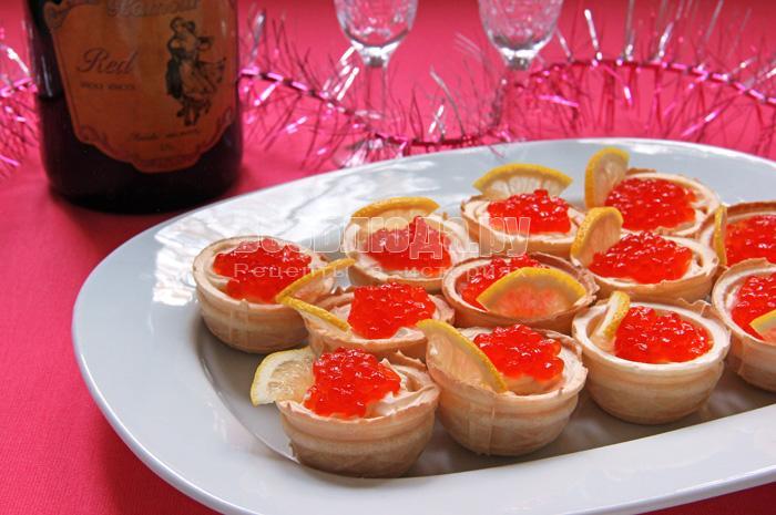 Закуски с красной икрой рецепты фото