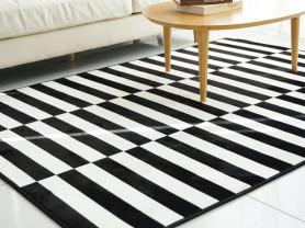 Черно белый ковер в полоску Band 95 x 145 см