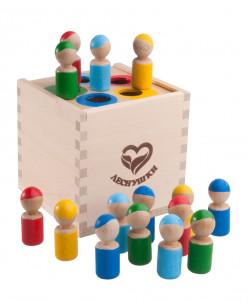 Счетный материал Разноцветные человечки в коробочке сортере