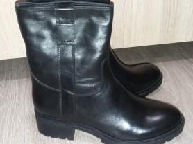 новые зимние сапоги и ботинки р 37,39