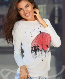 Симпатичный вязаный свитер