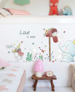 Интерьерная многоразовая наклейка «Love is here»