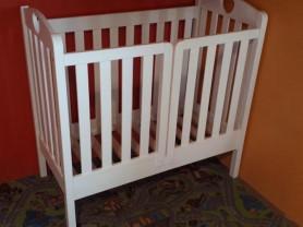 Кровать Младенец. Массив сосны. новая
