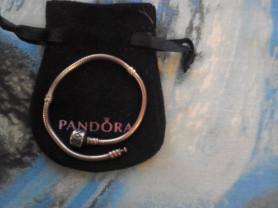 Продам браслет Пандора