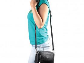 Новая черная кожаная сумка Италия