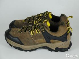 Новые натуральные кроссовки, р.40-42