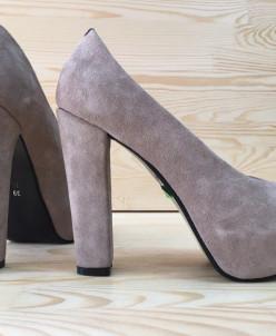 Замшевые туфли на удобном каблуке. Новая коллекция!