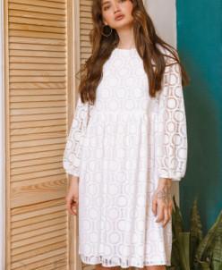 Свободное белое платье