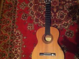 продам гитару состояние новое
