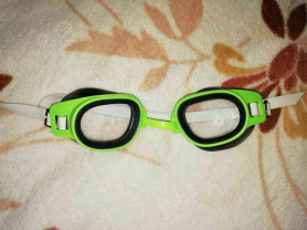 Отдам даром очки для плавания
