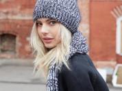 Красивая и тёплая шапка модной вязки в резинку!!!
